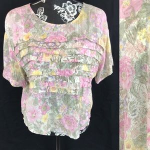 Tops - Floral pleated blouse.